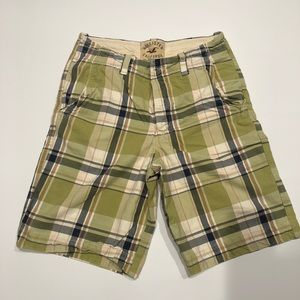 🍓 Hollister 100% cotton shorts green 31
